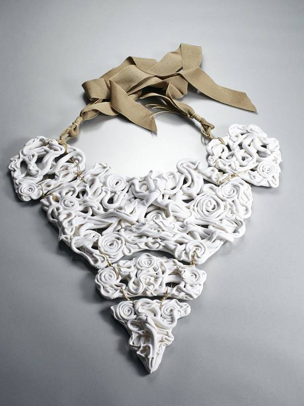 GOTHIC WHITE NECKLACE FROM 'FIFTY SHADES OF WHITE' SERIES
